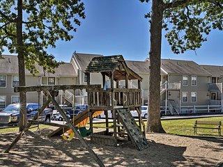 Osage Beach Condo w/ Pools & Boat Dock Access