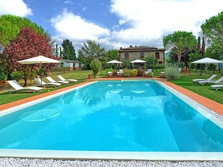 9 bedroom Villa with Pool and WiFi - 5242141