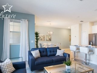 4995WA. Modern 4 Bed 3 Bath Town Home in Storey Lake Resort