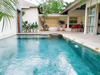 The Decks Bali Private One Bedroom Villa with Pool