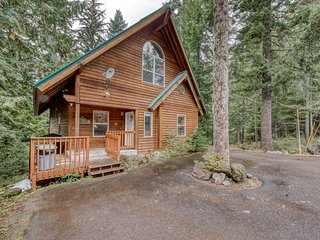 Ski home w/ mountain views & private hot tub - plus a separate apartment!