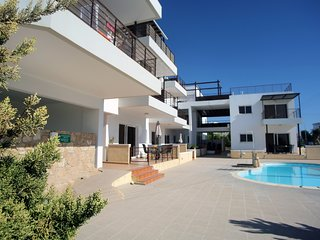 Paphos Lighthouse Luxury Apartment