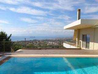 Aelia / Luxurious villa with pool near the beach