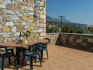 Kiveli - Comfy stone villa with seaview