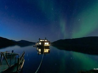 Volda Floating Home - under the northern lights