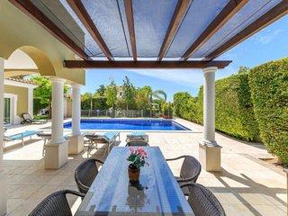 Vale do Garrao Villa Sleeps 10 with Pool Air Con and WiFi - 5479982
