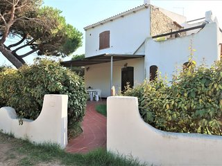 4 bedroom Apartment with Walk to Beach & Shops - 5029088