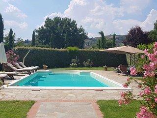 Castiglion Fiorentino Villa Sleeps 14 with Pool and Air Con - 5490562