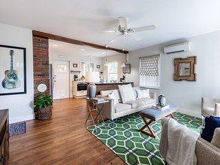 Cozy Two Bedroom in Mount Pleasant