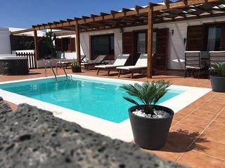 Paula Villa with private pool, wifi