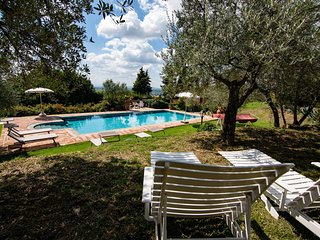 Fondaccio Villa Sleeps 9 with Pool - 5490576