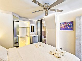 3 bedroom nimmanhaemin with easy pool access on same floor