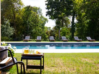 Asnieres-sur-Vegre Chateau Sleeps 14 with Pool - 5639124