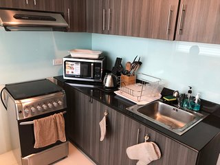 1BR Fully-Furnished Condo in front of ABSCBN