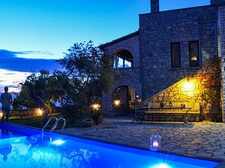 Castle with pool! Amazing seaview 1km to the beach