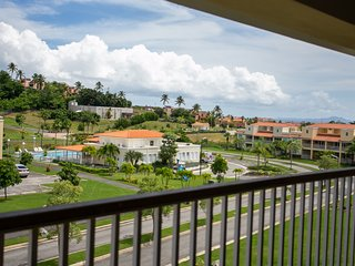 Ocean View, Scenic and Amazing Villa, Beautiful Pool and Huge Rooftop Deck (HL9E