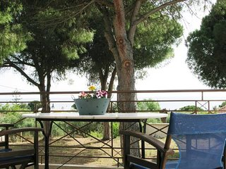 Amazing sea view, just 150m from the beach