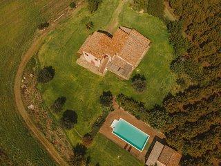 Bagnolo Villa Sleeps 8 with Pool and WiFi - 5762970