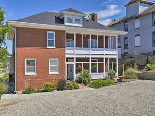 'Hobo Hill' Modern Downtown Jefferson City Home