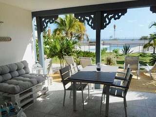 Cote Zen 2BR, beautiful beach house sea view beach front, pool