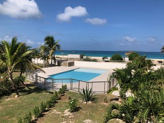 Cote Zen, 1 bedroom beach house, pool , beach front, ocean view