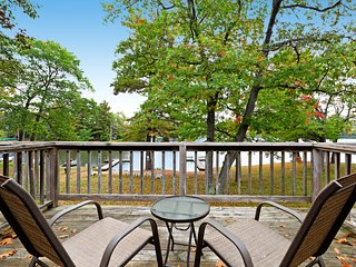 Water view suite w/ tennis, basketball, dock on Voyageur Lake - dogs OK!