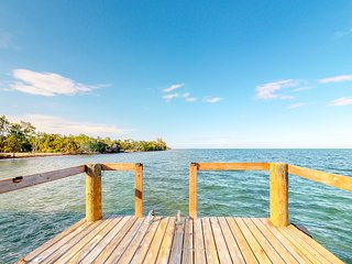 Beachfront house with private deck and pool, kayaks - great views & quiet area