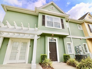 Superb Value Resort Townhome Near Shopping - Townhouse