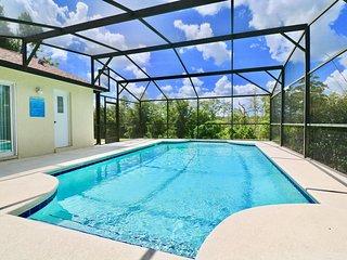 Neat & Tidy Escape w/ Quiet Private Pool - Villa