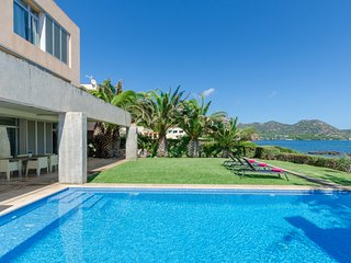 PORT NOU - Villa for 6 people in Cala Bona