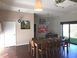 Spacious 4 Bdrms near Murray and Cactus Country, Great for exploring  the region