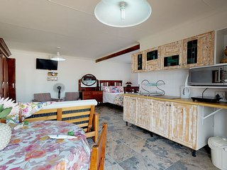 Family apartment with private outdoor terrace, bbq & free Wi-Fi