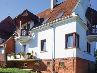 Beautiful apartment in Balatonföldvár w/ Indoor swimming pool and 3 Bedrooms