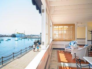 Casa Elena, primera linea de mar con preciosa galeria y vista mar