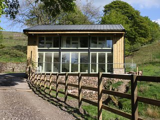 Shearing Shed, Quarnford, Peak District (sleeps 6+2)