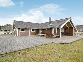 Awesome home in Fanø w/ Sauna, WiFi and 4 Bedrooms (A2062)