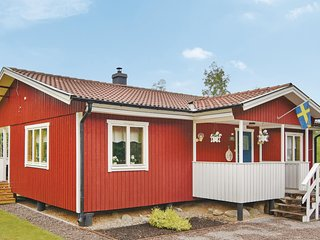 Awesome home in Älgarås w/ WiFi and 2 Bedrooms