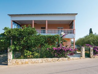 Beautiful home in Zadar w/ WiFi and 2 Bedrooms (CDZ537)