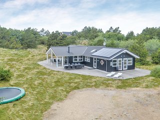 Awesome home in Vejers Strand w/ Sauna, WiFi and 5 Bedrooms