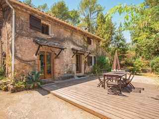 Stunning home in Grasse w/ 3 Bedrooms (FCA468)