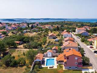 Beautiful home in Pula w/ WiFi and 7 Bedrooms