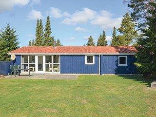 Stunning home in Vaeggerlose w/ Sauna and 3 Bedrooms