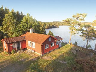 Nice home in Landvetter w/ Sauna and 2 Bedrooms