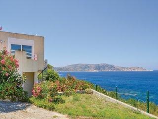 Beautiful home in Calvi with 3 Bedrooms (FKO116)