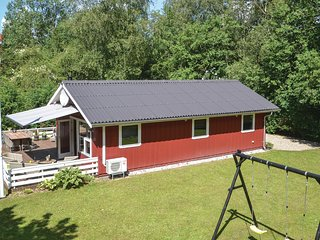 Nice home in Oksbøl w/ WiFi and 3 Bedrooms (P42298)