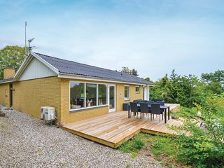 Beautiful home in Rønde w/ WiFi and 3 Bedrooms (D50040)