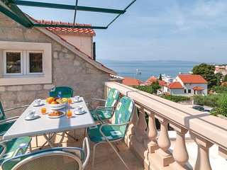 Beautiful home in Bol w/ WiFi and 2 Bedrooms
