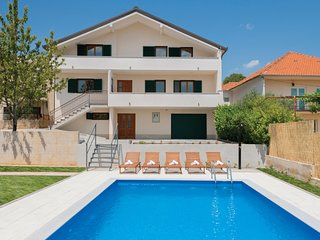 Amazing home in Imotski w/ WiFi, 3 Bedrooms and Outdoor swimming pool