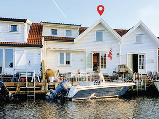Nice home in Flekkeroy w/ WiFi and 2 Bedrooms