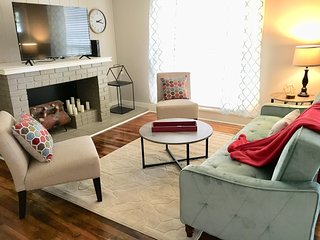 ★KING BED★ Hattiesburg's Hidden Cottage Near Downtown and Midtown